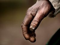 hand-elder